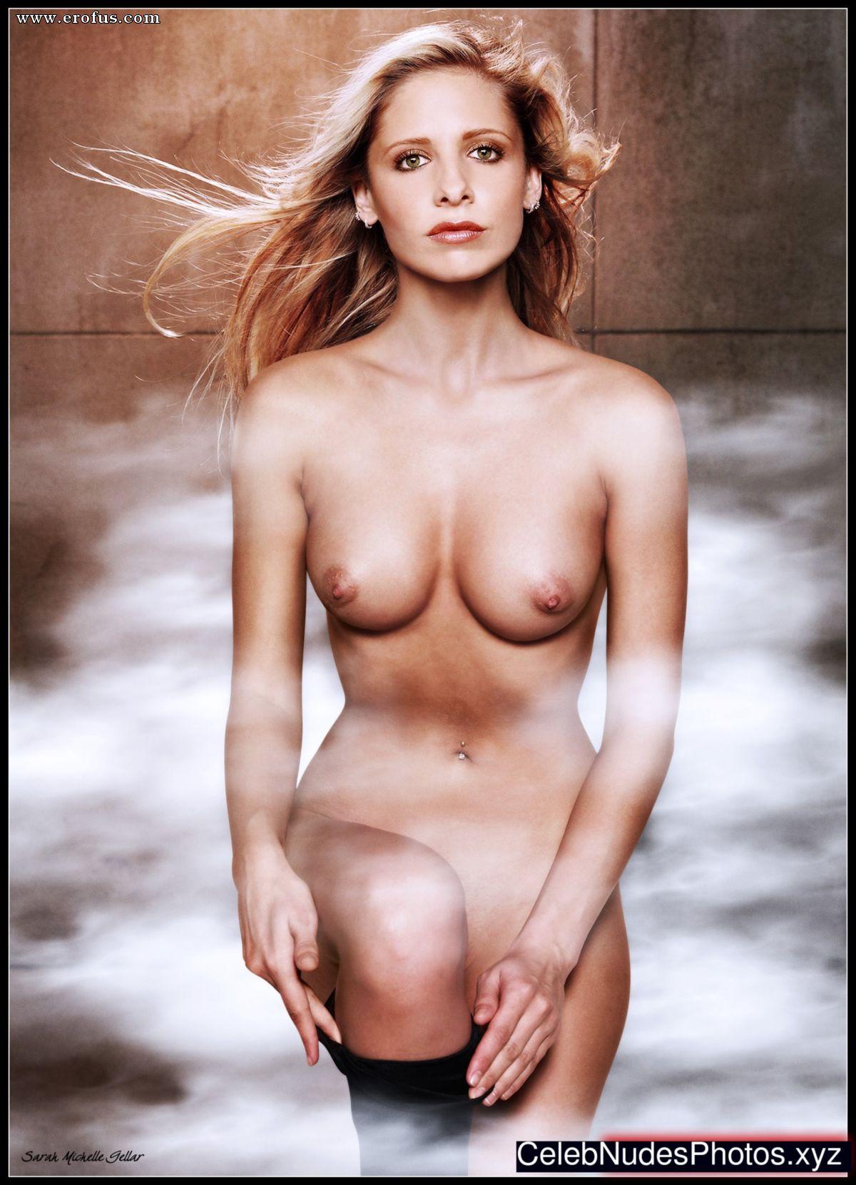 Sarah michelle gellar nude fakes